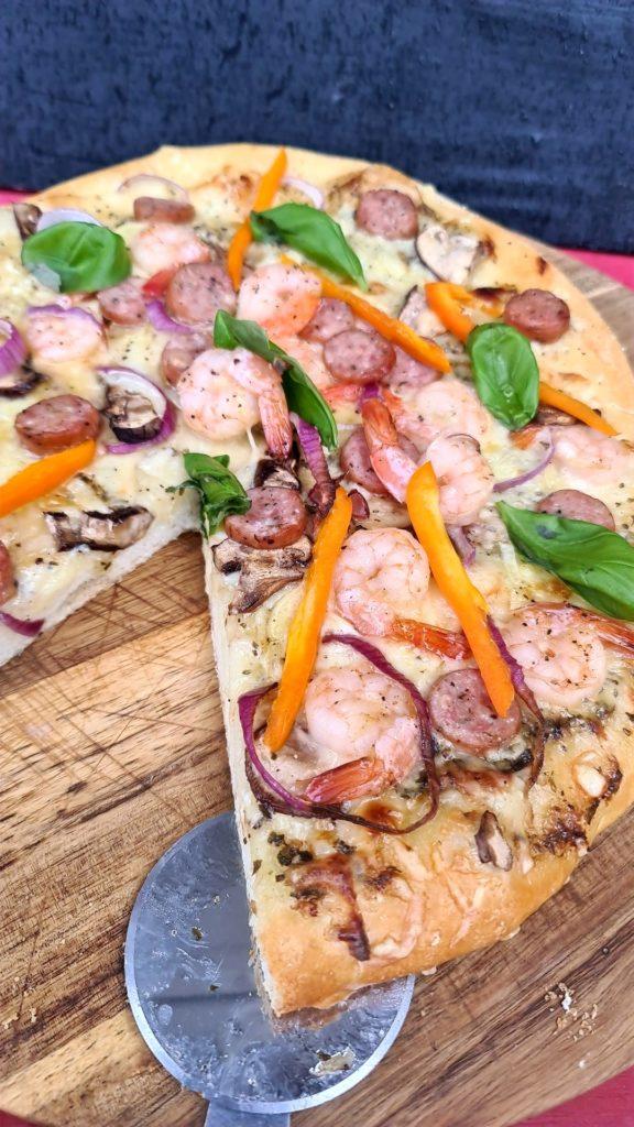trøffelpizza med lam og scampi